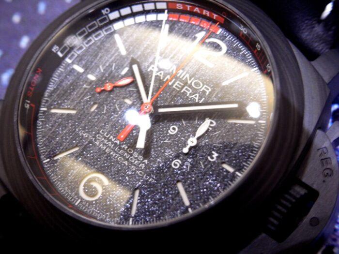 黒と赤のカラーリングがかっこいい!本格レガッタ仕様の、パネライ「ルミノール ルナ・ロッサ レガッタ」PAM01038-PANERAI -R1175712-700x525