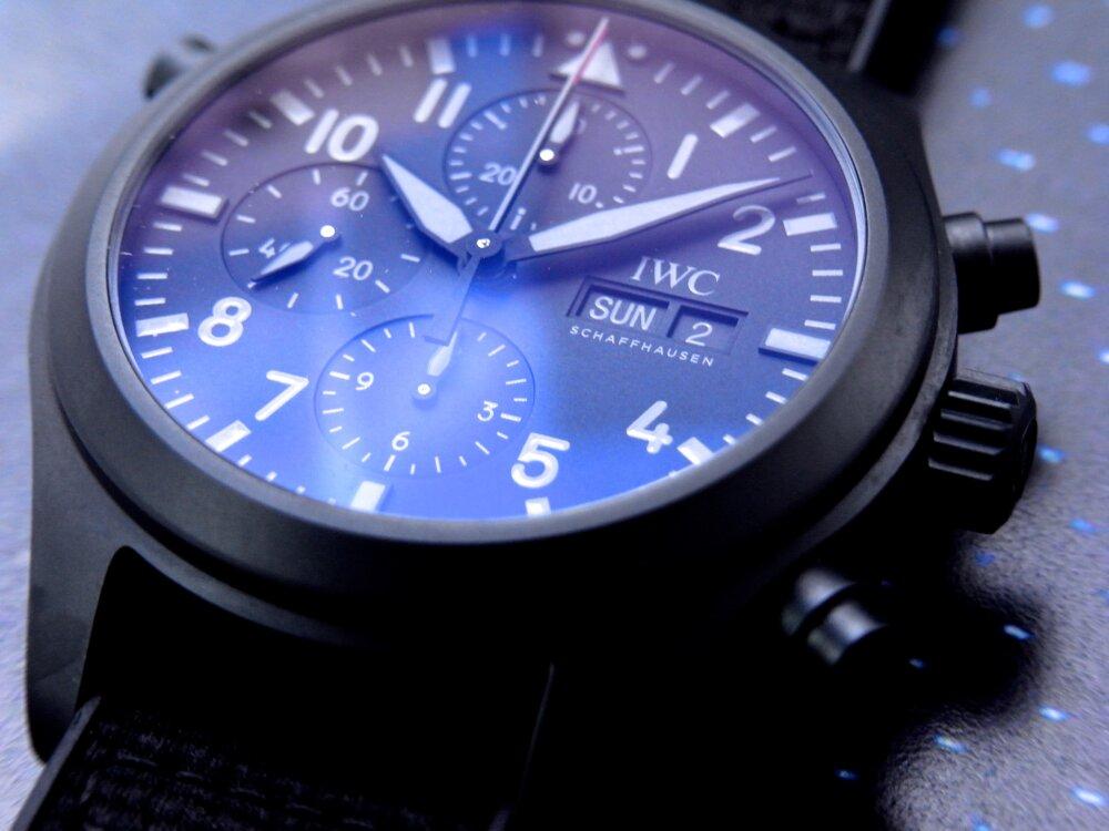 全体をブラックで統一した IWC 「パイロット・ウォッチ・ダブルクロノグラフ・トップガン・セラタニウム」-IWC -R1175898