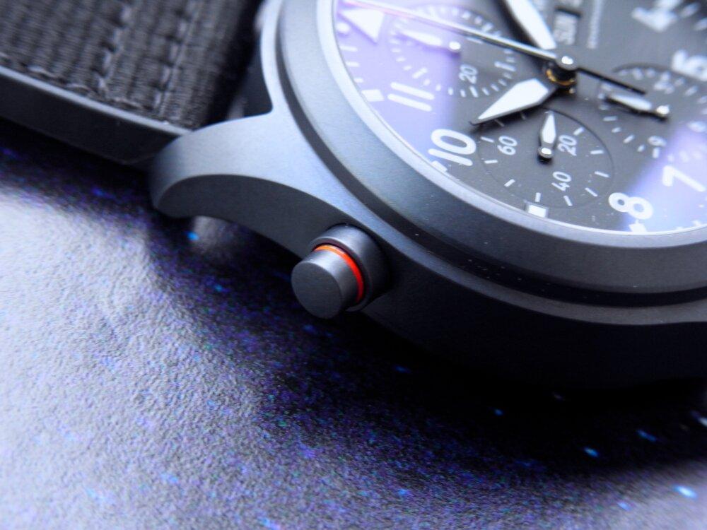 全体をブラックで統一した IWC 「パイロット・ウォッチ・ダブルクロノグラフ・トップガン・セラタニウム」-IWC -R1175900