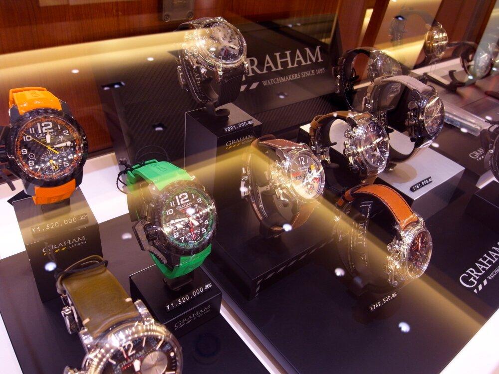 ファン待望の魚眼レンズを備えた伝説のクロノグラフ「ソードフィッシュ」が復活 グラハム-GRAHAM -R1176310
