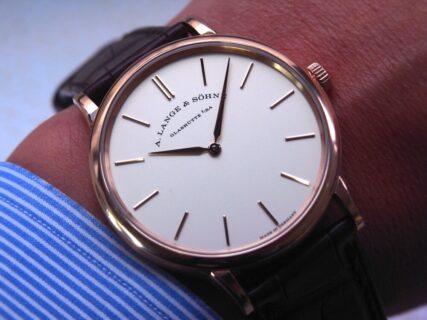 ドイツ時計らしい素朴さが一番味わえるシンプルウオッチ。