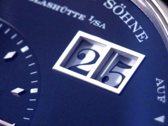 A.ランゲ&ゾーネ 精悍な黒のダイヤルが独自性を放つ「グランド・ランゲ1」-A.LANGE&SÖHNE -R1176422-700x525