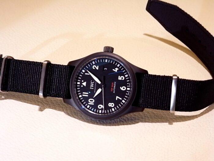 ブラックのセラミックケースが渋い! パイロット・ウォッチ・オートマティック・トップガン IWC-IWC -R1171395-700x525