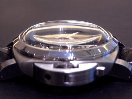 PANERAI(パネライ)昔のモデルを踏襲したドームガラスが印象的! ルミノール 8デイズ GMT PAM00233