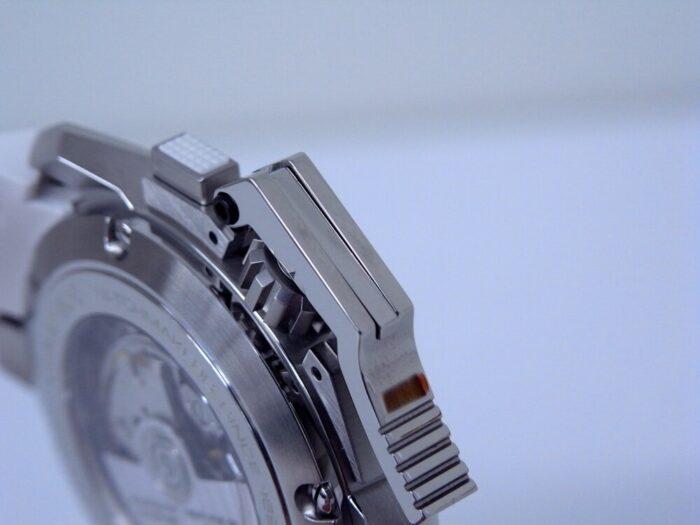 ホワイトセラミックベゼルが美しい!グラハム「クロノファイター オーバーサイズ ブラック&ホワイト」 - その他