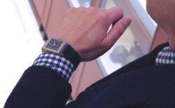 高度な時計技術、魅惑的な美しさ、ジャガー・ルクルト「レベルソ・トリビュート・スモールセコンド」