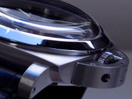 パネライの魅力が凝縮された人気モデル「ルミノール8デイズGMT」  PAM00233