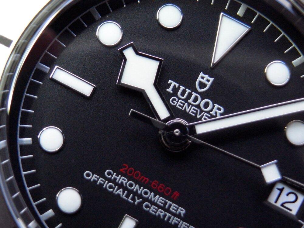 """機能性を前面に押し出す総スチール製モデル  チューダー""""ブラックベイスチール"""" - TUDOR"""