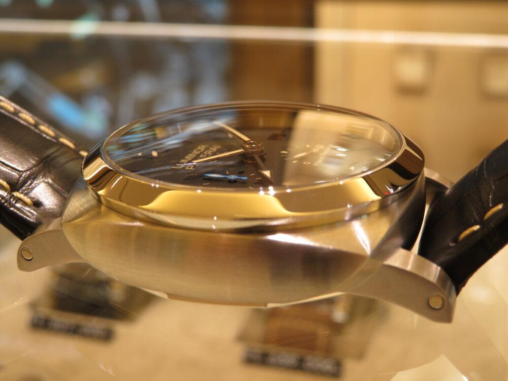 GMT機能搭載、デザインとしても一層カッコイイ ルミノール GMT パワーリザーブ PAM01321-PANERAI -IMG_1709