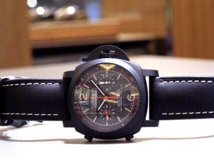 """海男のための""""黒赤""""時計 ルミノール ルナ・ロッサ クロノ フライバック  PAM01037"""