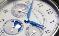 カレンダーの不規則なデータを時計に組み込んだ、A.ランゲ&ゾーネ「1815アニュアルカレンダー」