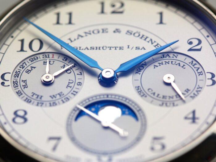 カレンダーの不規則なデータを時計に組み込んだ、A.ランゲ&ゾーネ「1815アニュアルカレンダー」 - A.LANGE&SÖHNE