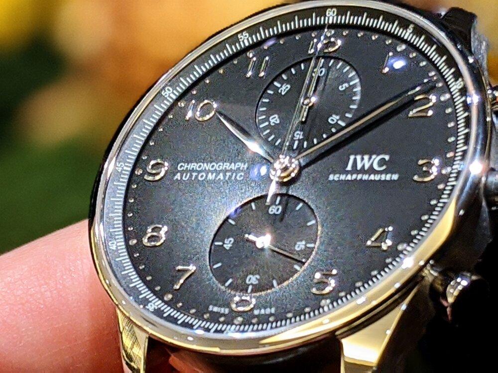IWC フォーマルやカジュアルに着けこなせるクラシカルウォッチ!ポルトギーゼ・クロノグラフ!!-IWC -00100lrPORTRAIT_00100_BURST20200921175634351_COVER