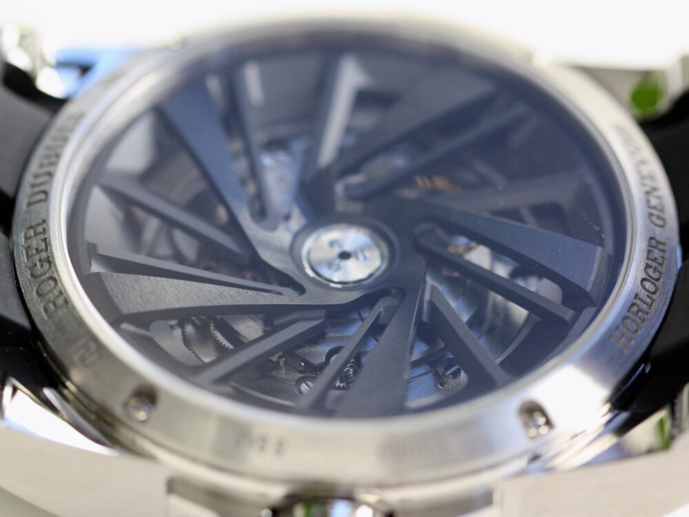 ロジェ・デュブイ 立体的なブルー文字盤が美しい!「エクスカリバー オートマティック」-ROGER DUBUIS -IMG_0008