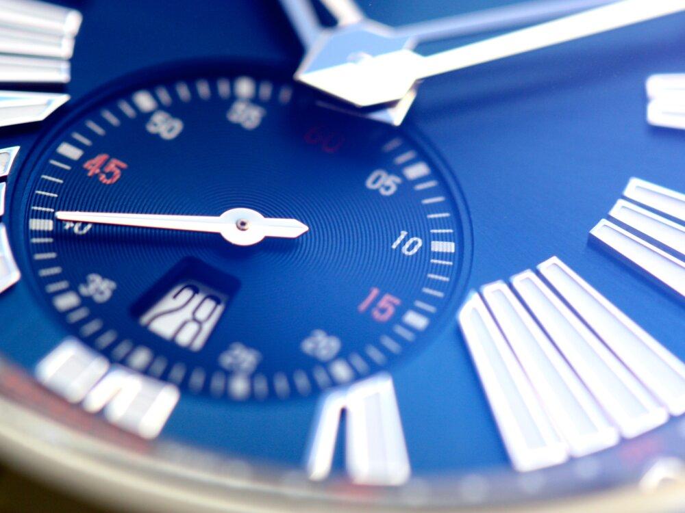 ロジェ・デュブイ 立体的なブルー文字盤が美しい!「エクスカリバー オートマティック」-ROGER DUBUIS -IMG_9995