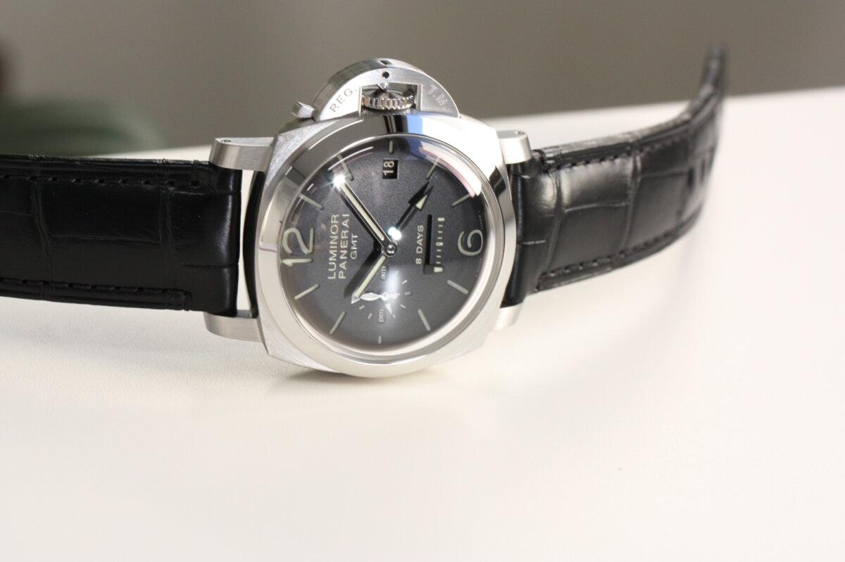 速報!奇跡の入荷!パネライの傑作モデル「ルミノール 1950 8デイズ GMT(PAM00233)」-PANERAI -IMG_1122
