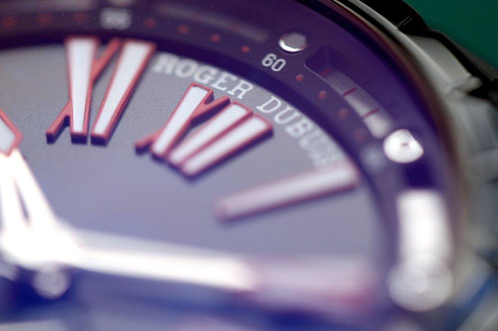 ロジェ・デュブイ ブラックDLC加工をケースに施した「エクスカリバー45オートマティック」-ROGER DUBUIS -IMG_9330