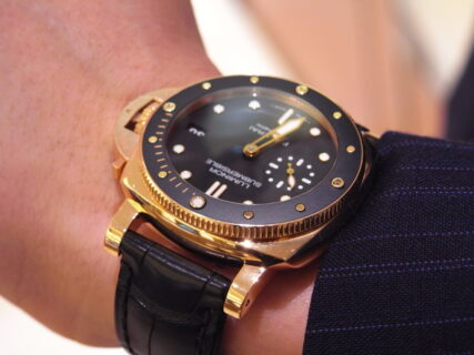 心斎橋店 販売スタッフTの愛用時計は、PANERAI(パネライ)サブマーシブル 42mm