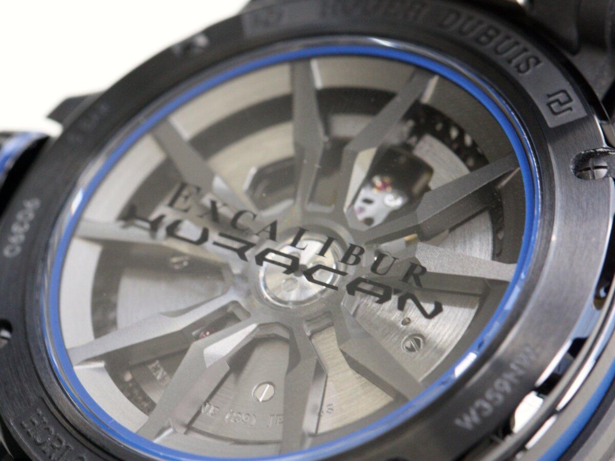 ヘキサゴン(6角形)をデザインモチーフにした、ロジェ・デュブイ 「エクスカリバーウラカン」-ROGER DUBUIS -IMG_0576