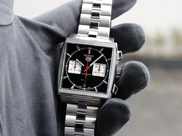 通な人々に好まれる角形時計の傑作!タグホイヤー 栄光のモナコ-TAG Heuer -MG_0001