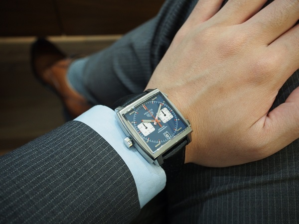 通な人々に好まれる角形時計の傑作!タグホイヤー 栄光のモナコ-TAG Heuer -P4101351