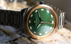 スイスの歴史ある時計ブランド「ファーブル・ルーバ」からグリーン文字盤を採用「スカイチーフデイト」