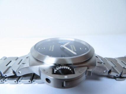 ルミノール マリーナ 惜しくも1年で生産終了 ブレスレットタイプ42mm ブルーダイヤル PAM01028
