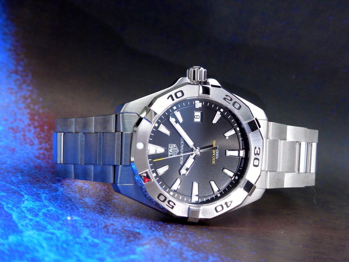 タグ・ホイヤーの堅牢な時計の6つの機能が詰まった「アクアレーサー」-TAG Heuer -R0014114