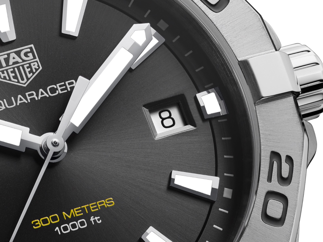 タグ・ホイヤーの堅牢な時計の6つの機能が詰まった「アクアレーサー」-TAG Heuer -a9b82af0ab3056732894d0a84f6df99d