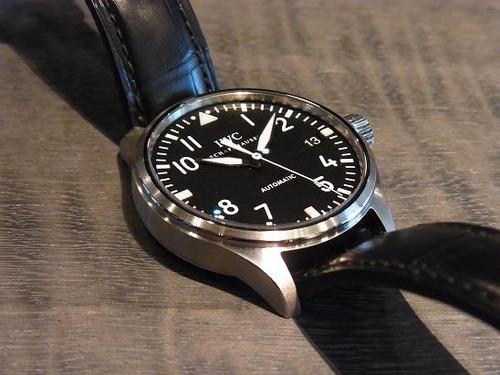 小ぶりな時計。
