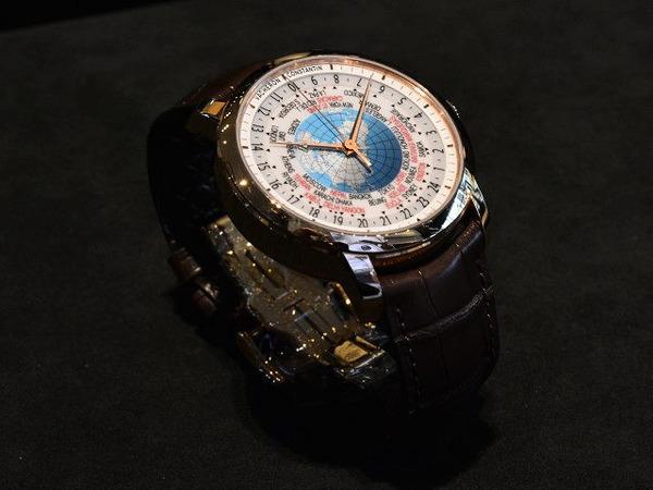 休日ブログ×ヴァシュロンコンスタンタンは、世界旅行気分を腕時計で。