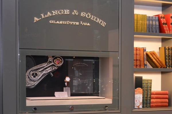今日の心斎橋店は、取り扱いブランドのご紹介。Part.3-A.LANGE&SÖHNE -689737c1-s