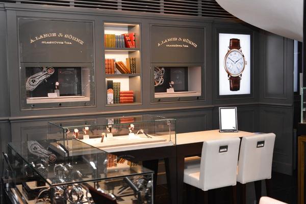今日の心斎橋店は、取り扱いブランドのご紹介。Part.3-A.LANGE&SÖHNE -8336e041-s