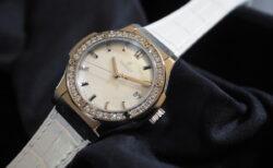 女性の腕元を華やかに彩る 日本限定モデル HUBLOT「クラシック・フュージョン パールホワイト ダイヤモンド」