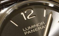 パネライ 『らしさ』を残しながらも薄型ドレスウォッチに変貌したルミノール ドゥエ PAM00943