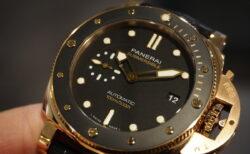 上品な色合いのゴールドモデル再入荷しました「サブマーシブル PAM00974」