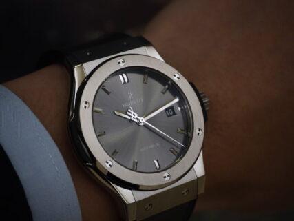 """""""大人の男性が身に着ける"""" 大人の為の腕時計 ウブロ クラシック・フュージョン チタニウム レーシンググレー"""
