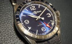 【ベル&ロス】ラウンド型のミリタリーテイストを感じる「BR V2-93 GMT BLUE」