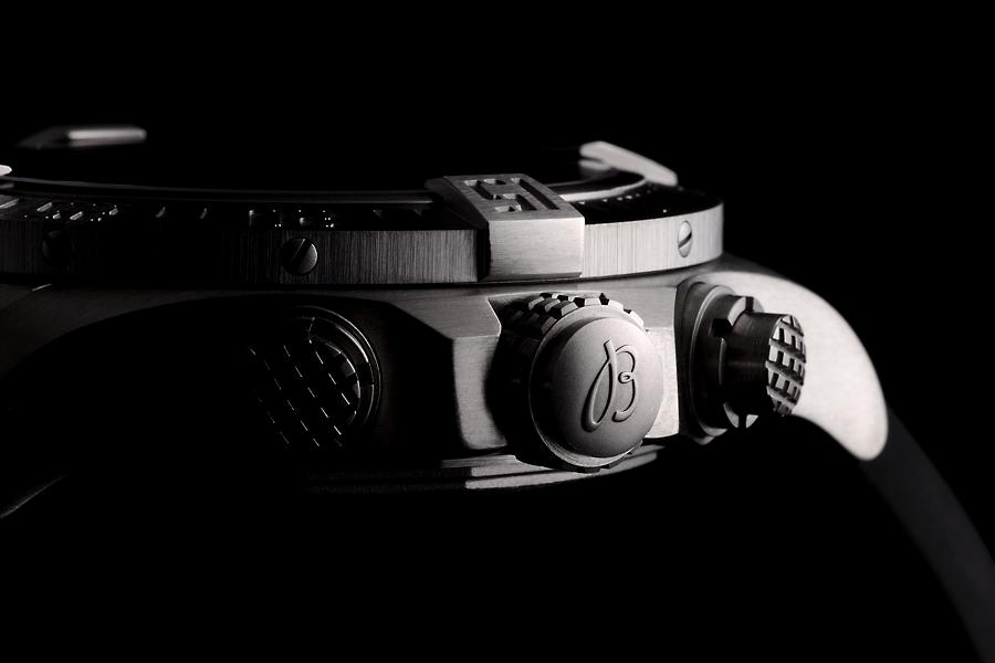 BREITLING 2016年新製品入荷 アベンジャー バンディット(E334M34ARE)