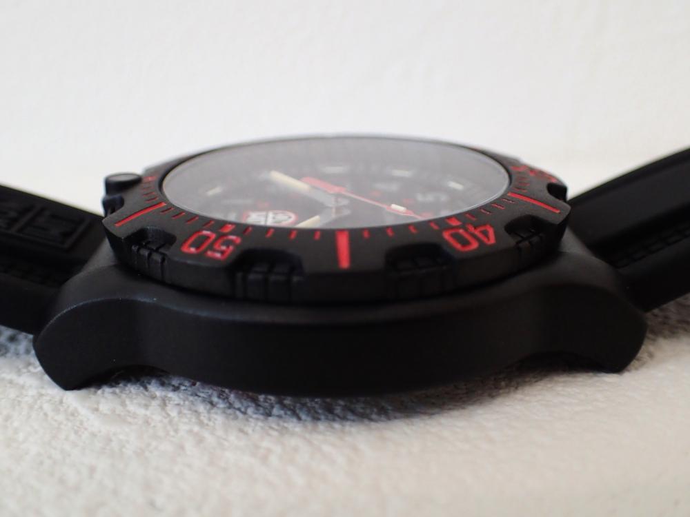 特殊部隊員の腕元を想定したハイスタンダード仕様モデル「ルミノックス・ブラックオプス8880シリーズ」-Luminox -P3121110