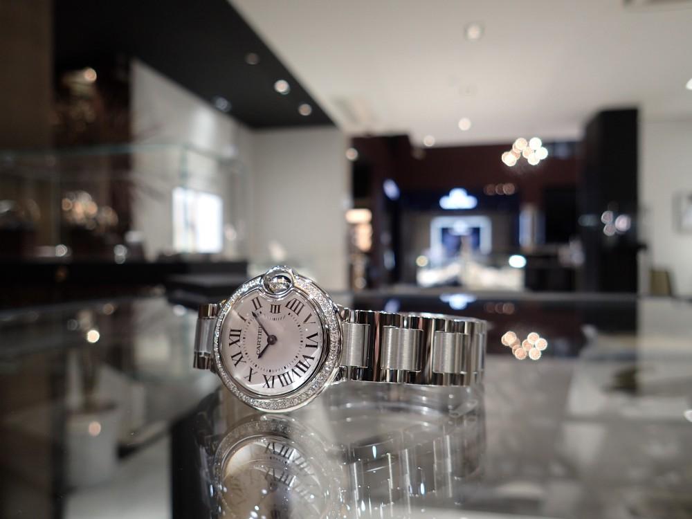 カルティエの人気モデル バロンブルーのダイヤモデルが再入荷しました!-Cartier -P6020008