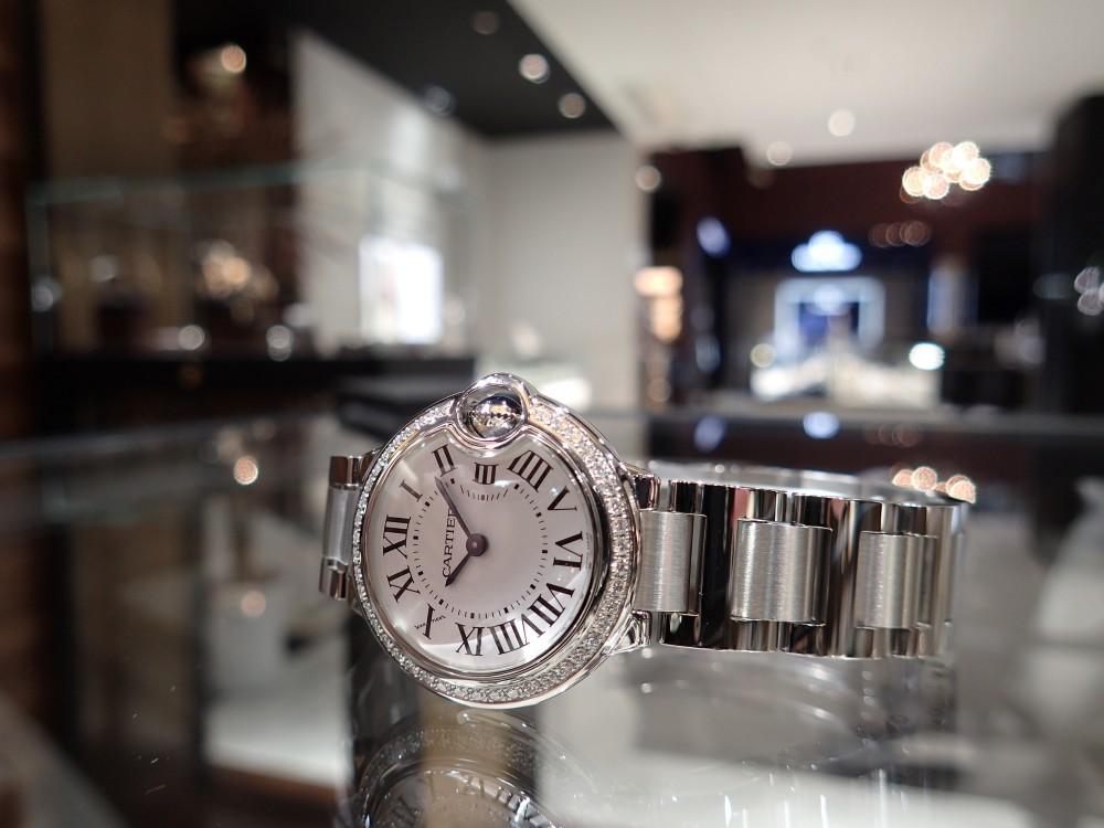 カルティエの人気モデル バロンブルーのダイヤモデルが再入荷しました!-Cartier -P6020010