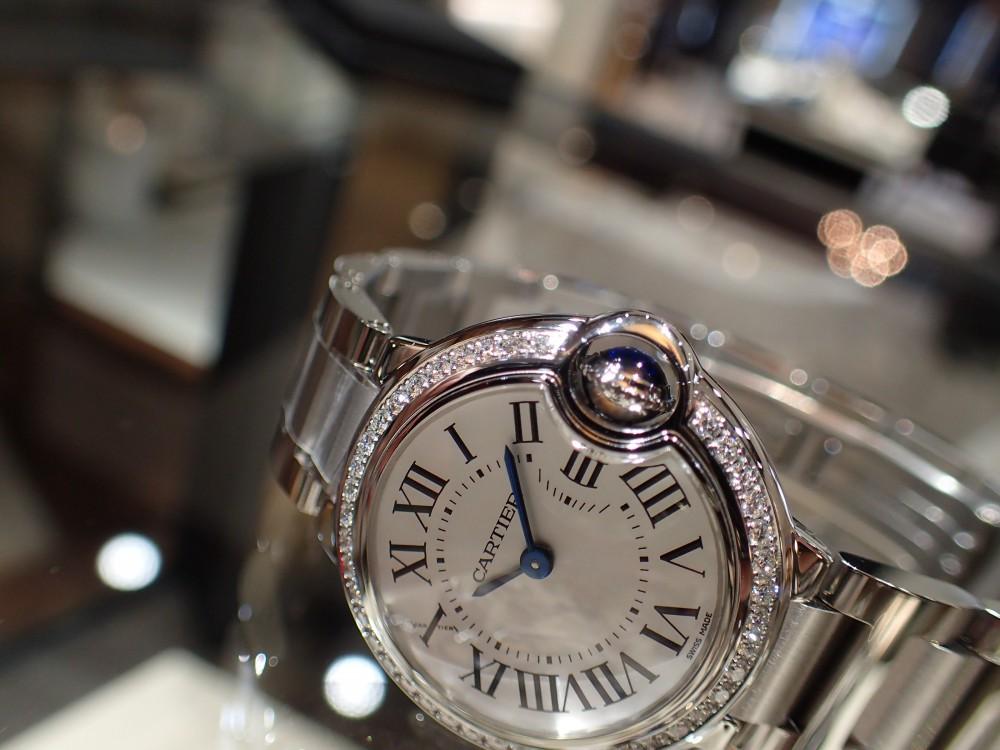 カルティエの人気モデル バロンブルーのダイヤモデルが再入荷しました!-Cartier -P6020011