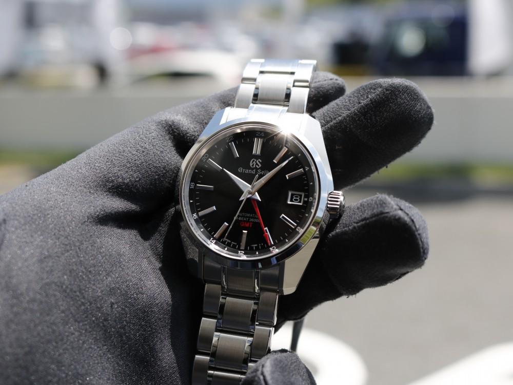 グランドセイコー ブラック文字盤に印象的な赤が映える SBGJ203-Grand Seiko -MG_8377