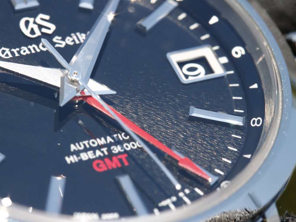グランドセイコー ブラック文字盤に印象的な赤が映える SBGJ203-Grand Seiko -MG_8389