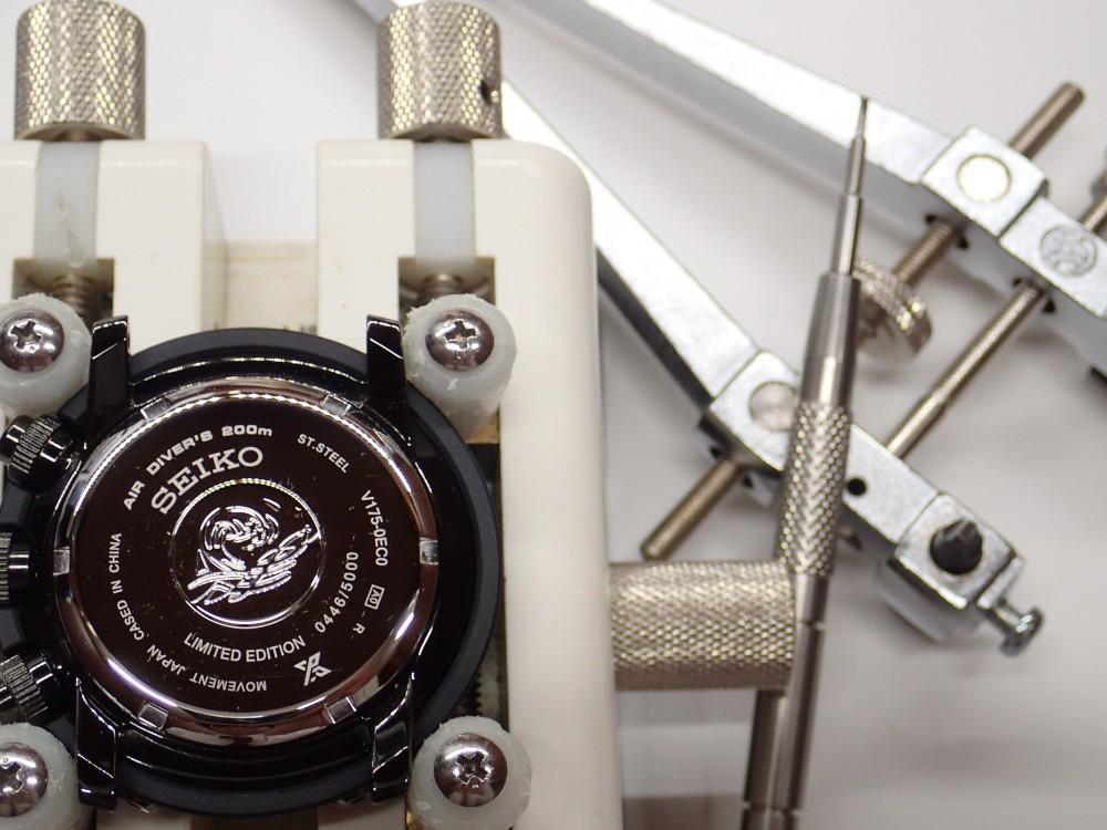 腕時計の電池が切れて止まったままにしてませんか?
