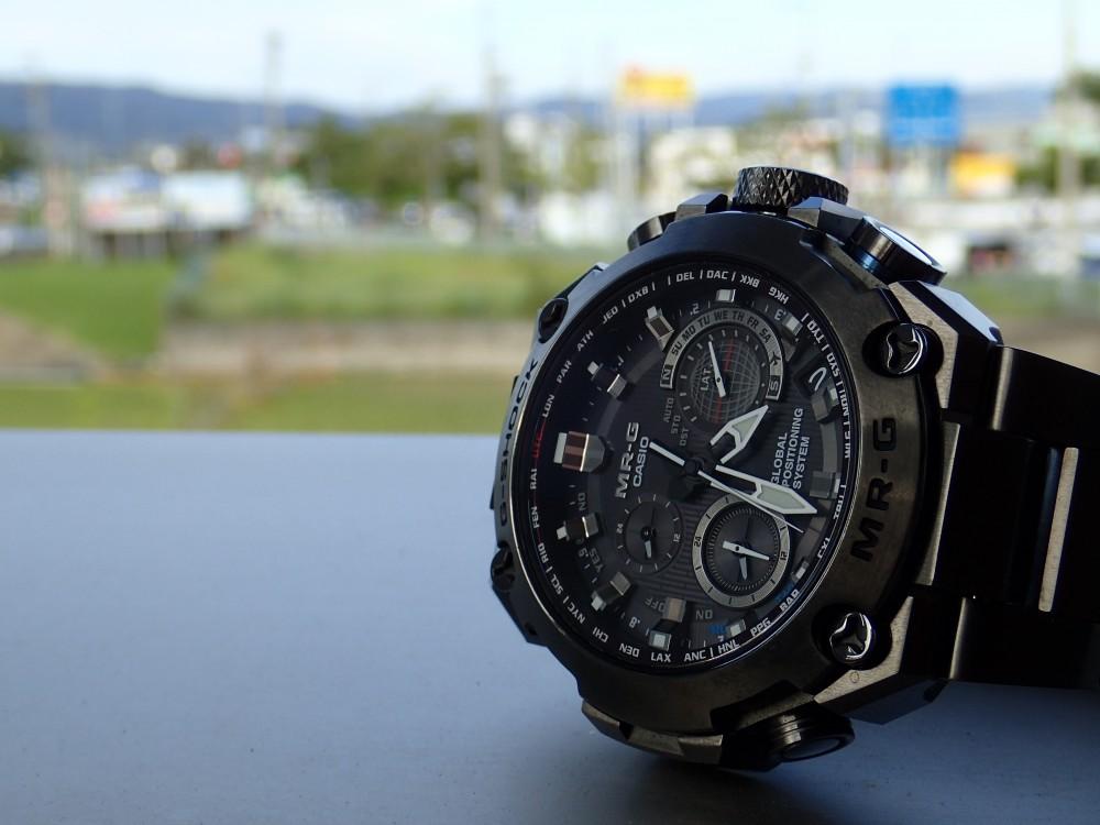 ソーラーの時計には定期的な充電を-メンテナンス -PA020909