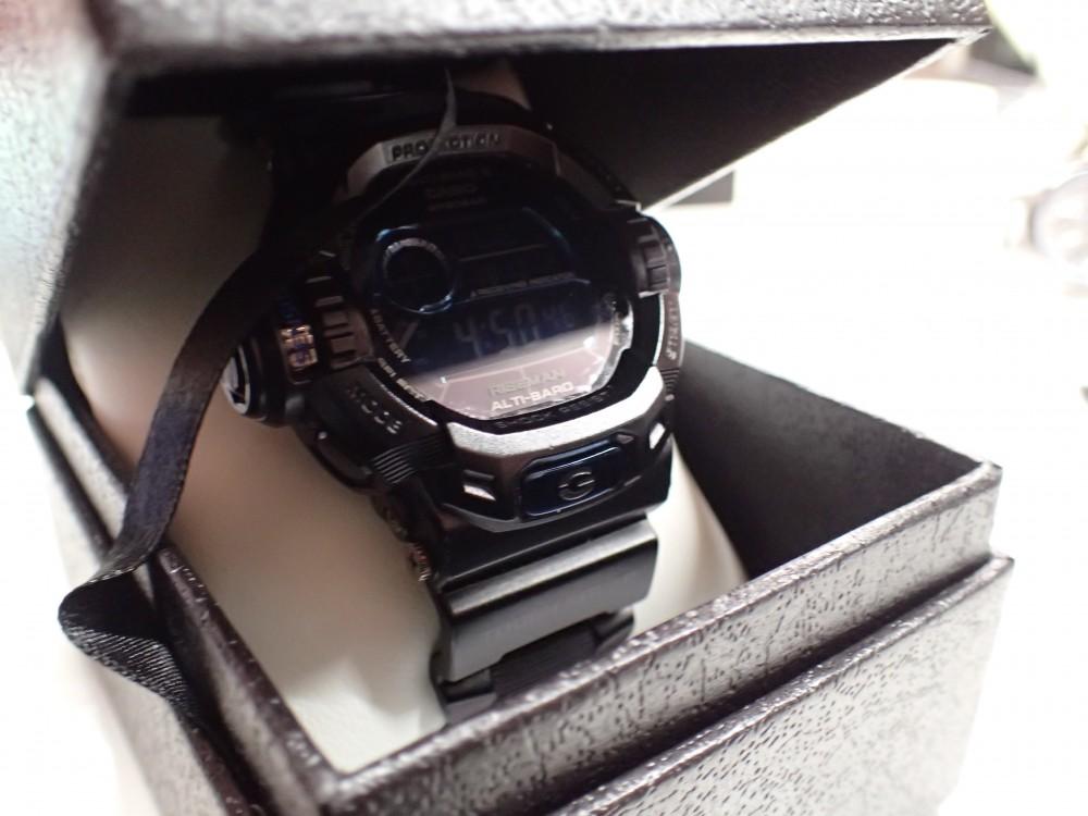 ソーラーの時計には定期的な充電を-メンテナンス -PA020910