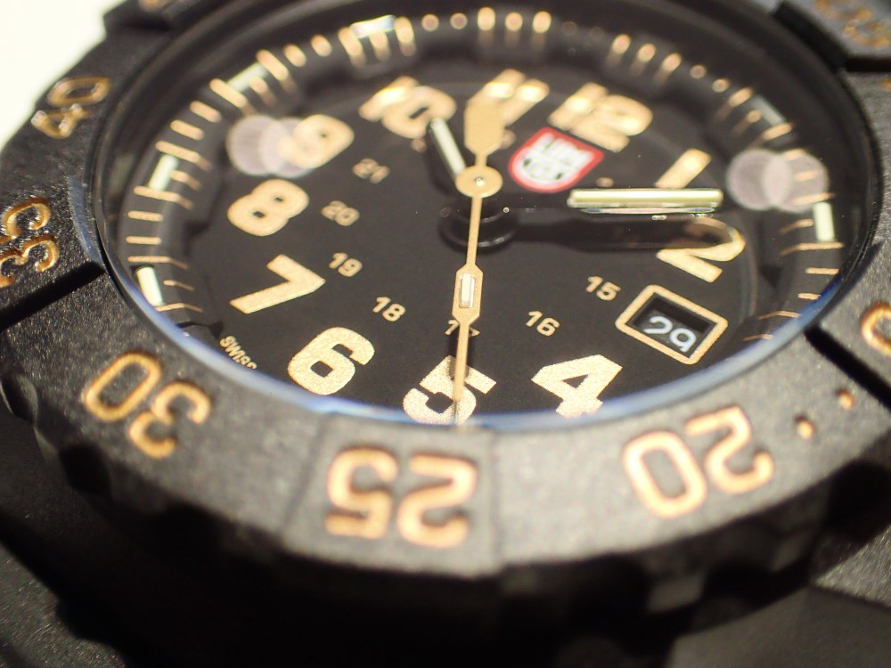 ルミノックス待望ゴールドカラーの限定モデルが3500シリーズに追加-Luminox -PB290313
