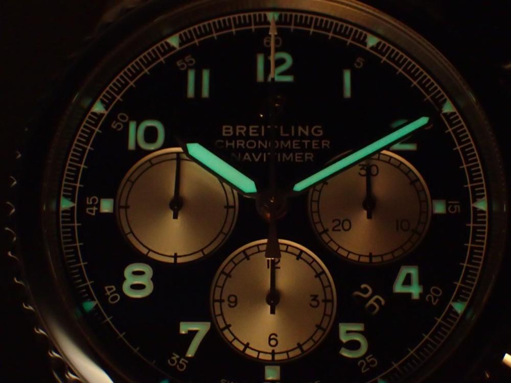 クラシックなデザインで渋く決める ナビタイマー8-BREITLING -P1280034